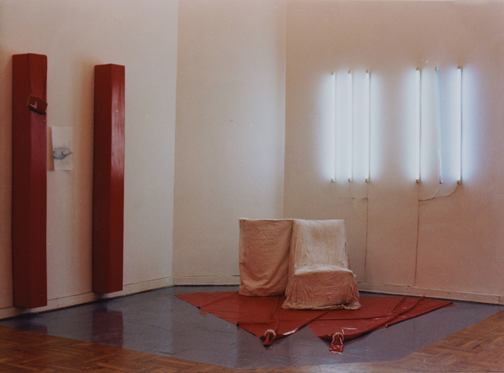 attila szucs, dinner, installation view, mucsarnok, 1991